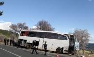 Öğrencileri taşıyan otobüsün freni patladı: 24 yaralı