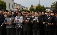 Şehit Jandarma Astsubay Kıdemli Çavuş Uğur Palancı'nın cenazesi İzmir'de toprağa verildi