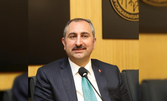 Adalet Bakanı Gül: Kardeşim Gül' hitabına, 'Kardeşim Erdoğan' mukabelesinde bulunmayı gerektirirdi