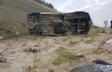 Ehliyetsiz sürücünün kullandığı işçi servisi devrildi: 9 yaralı