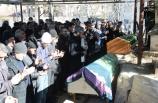 Depremden etkilenen Malatya'nın Doğanyol ilçesinde hayatını kaybedenler son yolculuğuna uğurlandı