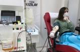 Koronavirüsü yenen kadın doktor, immün plazma bağışında bulundu