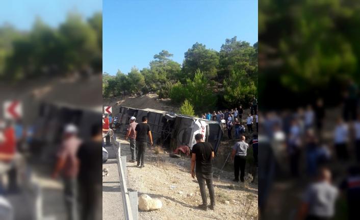 Mersin'de askerleri taşıyan otobüs devrildi: 5 şehit 10 yaralı
