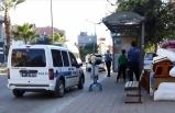 Hastaneden kaçtığı öne sürülen Kovid-19'lu kadın otobüs durağında baygın halde bulundu