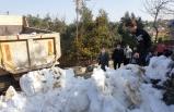 Osmaniye'de beton zeminde kayak yapan çocuklar dağdan getirilen karla sevindi