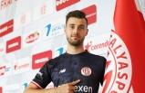 Antalyaspor, genç kaleci Ataberk Dadakdeniz ile sözleşme imzaladı