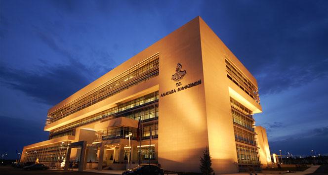 Anayasa Mahkemesi, 5 siyasi partinin sorumluları hakkında suç duyurusunda bulunulmasını kararlaştırdı