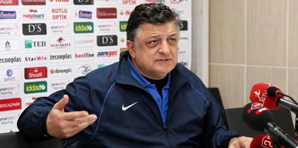 Teknik direktör Vural'ın babası defnedildi