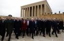 Bahçeli yeni MYK ve MDK üyeleriyle Anıtkabir'i ziyaret etti