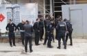 Kadıköy'de polise kürekli saldırı: 3 polis...