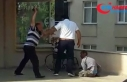 Engelli oğluna hiç acımadı ayakkabıyla dövdü