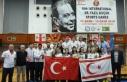 Badmintoncular Kıbrıs'ta şampiyon oldu