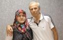 32 yıllık hayat arkadaşına böbreğini verdi