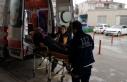 Otomobil bariyere çarptı: 1'i bebek 3 yaralı