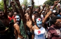 Endonezya'da şiddetli protestolara karşı internete...