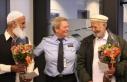 Norveç polisinden cami saldırganı engelleyen 'kahramanlara'...