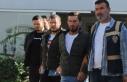 Borcu olan kişiyi alıkoydukları iddia edilen 5...