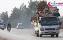 İdlib'de son bir haftada 25 bin sivil yerlerinden...