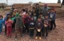 Mehmetçik ekmeğini Suriye'deki ihtiyaç sahipleriyle...