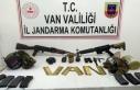 Van'da sağ yakalanan teröriste ait malzemeler...