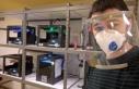 Kendi yaptığı 3 boyutlu yazıcılarda siperli maske...