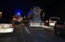 Arnavutköy'de hafriyat kamyonuyla otomobil çarpıştı:...
