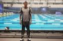 Milli yüzücü Emre Sakçı'nın altın madalya...