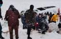 Diyarbakır'da devrilen iki minibüste 22 kişi...