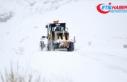 Doğu Anadolu kırsalında karla mücadele ekipleri...