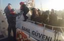 Yunanlıların denize bıraktığı 32 mülteciyi...