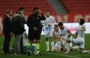 Samsunspor ve Bursasporlu futbolcular 26. dakikada...