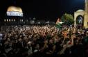 İsrail polisi sabah namazı sonrası Mescid-i Aksa'dan...