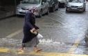 Şiddetli yağmur Kırıkkale'de yolları göle...