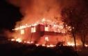 Gizlice girdiği evde yanarak hayatını kaybetti