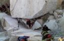 Maden ocağında iki kayanın arasında sıkışan...