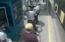 Metrobüste maske uyarısı yapan güvenlik görevlisini...