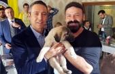Ali Koç'a bir çift kangal köpeği yavrusu hediye edildi