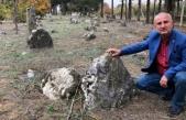 Bu köyün her yerinden tarihi mezar fışkırıyor