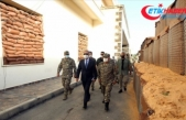 Milli Savunma Bakanı Akar Libya'da Mehmetçik'le bir araya geldi