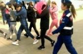 Fuhuş şüphelisi 31 yabancı uyruklu kadın, sınır dışı edildi