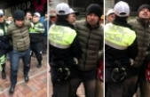 Eski eşini darp eden kocayı, linç edilmekten polis kurtardı