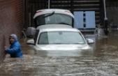 İngiltere'de Dennis Fırtınası 3 kişinin ölümüne yol açtı