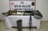 Bitlis'te 2 terörist silahlarıyla beraber etkisiz hale getirildi