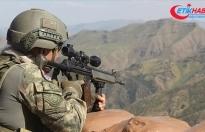 Teröristlerle çıkan çatışmada 1 asker şehit oldu
