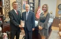 MHP Lideri Bahçeli'yi anlatan ödüllü kitap İngilizce yayınlandı