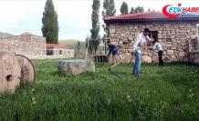 Kenan Yavuz Etnografya Müzesi kapılarını 'Tırpanla Ot Biçme Şenliği' ile açtı
