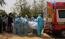 Hindistan'ın Ganj Nehri'nde Kovid-19 hastalarına ait olduğu düşünülen çok sayıda ceset bulundu