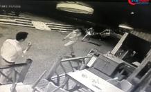 Beyoğlu'nda silahlı 'yan baktın' kavgası kamerada