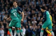 Tottenham 57, Ajax 22 yıl sonra yarı finalde