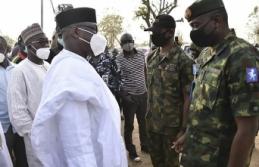 Nijerya'da yatılı okuldaki baskında kaçırılan...